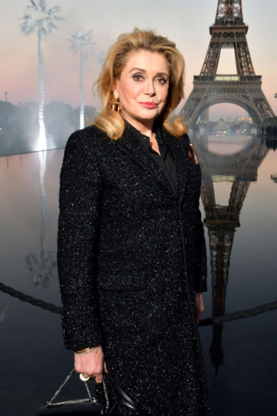 041018-fila-a-catherine-deneuve-saintlaurent02