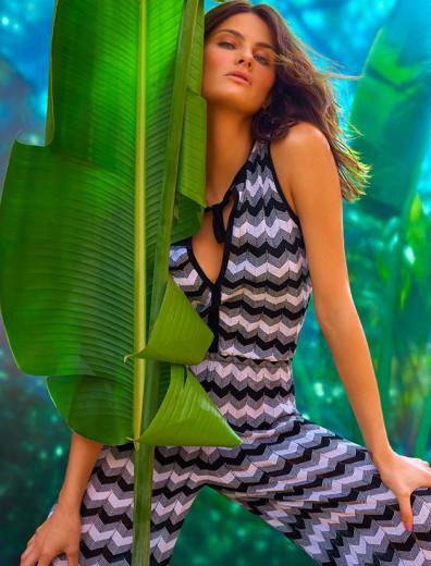 Isabeli Fontana é uma das estrelas da campanha, ao lado de...