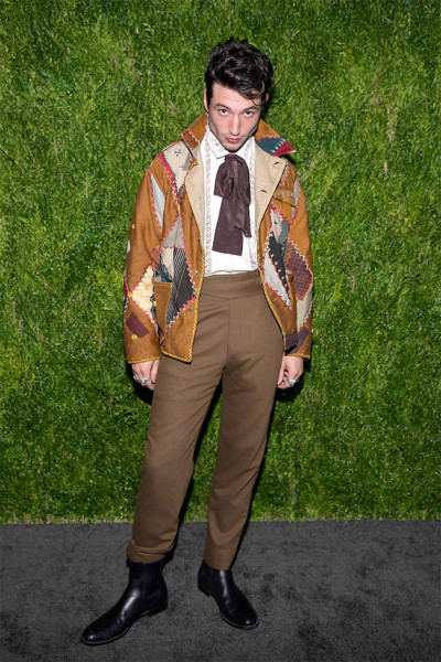 171118-ezra-miller-emily-bode-cfda-vogue-fashion-fund