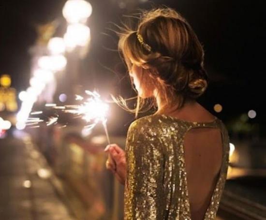 Dificuldade pra achar vestido pras festas de fim de ano? A gente te ajuda! É só clicar na galeria!