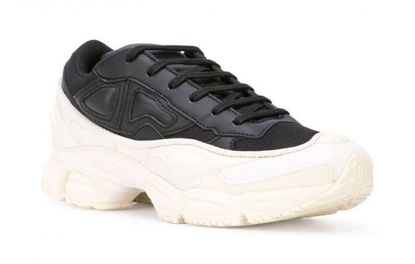 221118-black-friday-tenis-raf-simons