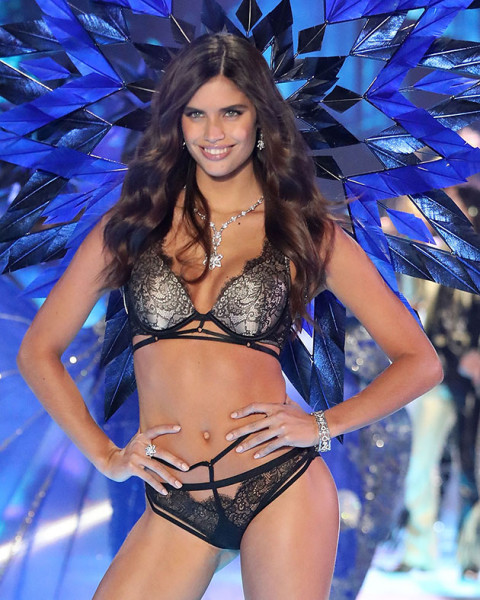 91118-victorias-secret-sara-sampaio