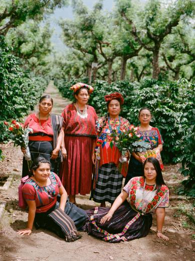 """A """"Vogue"""" Brasil fez uma parceria com o IICA, que promove o bem-estar rural, pra contar as histórias de mulheres que vivem nas zonas rurais"""