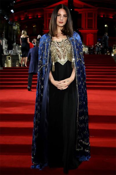 111218-fashion-awards-lana-del-rey