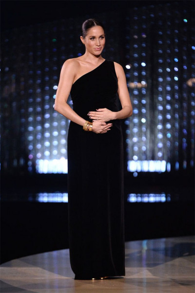 111218-fashion-awards-meghan-markle-01