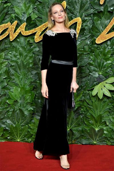 111218-fashion-awards-uma-thurman