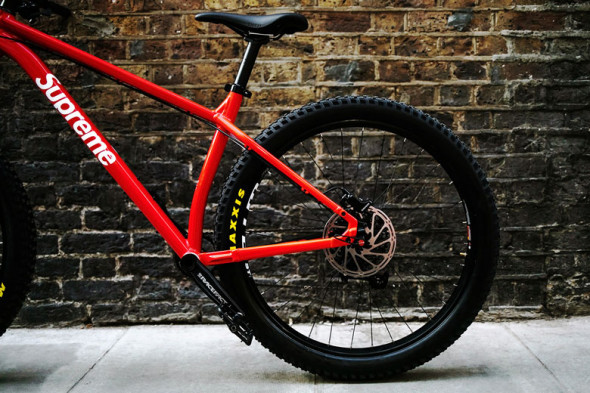 131218-supreme-santa-cruz-mountain-bike2