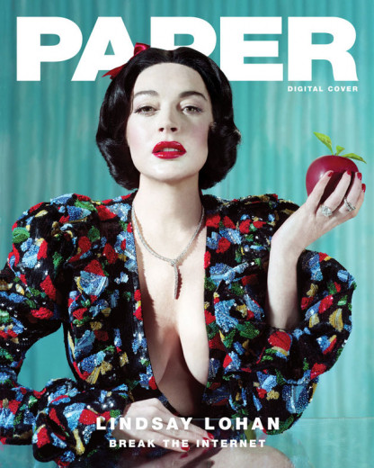 """Quem aí estava com saudade da melhor """"garota problema"""" de Hollywood? Ela resolveu ceder uma entrevista bem interessante pra """"Paper Magazine"""", com direito a looks de princesa - vem ver!"""