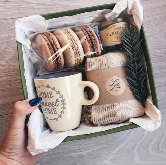 Natal é sinônimo de comilança pra muita gente, então que tal presentear aquela pessoa querida com uma cesta de Natal bem bonita? A gente te dá opções pra montar a sua!