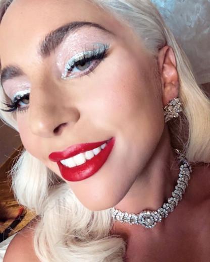 A gente mal pode esperar para ver como será a grande revelação dessa linha! E adoramos o mistério, viu Gaga? Vem ver os posts da diva!