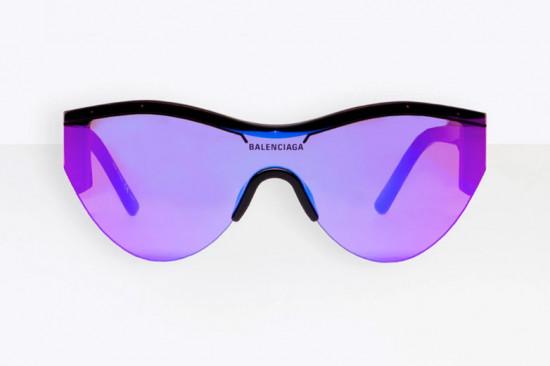 Balenciaga entrou em 2019 com uma novidade bem legal pra gente: sua primeira coleção de óculos escuros pra Dover Street. Vem saber mais!