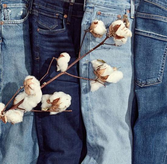 Vem conferir 10 marcas nacionais e internacionais que estão apostando em jeans sustentável - é só clicar na foto!