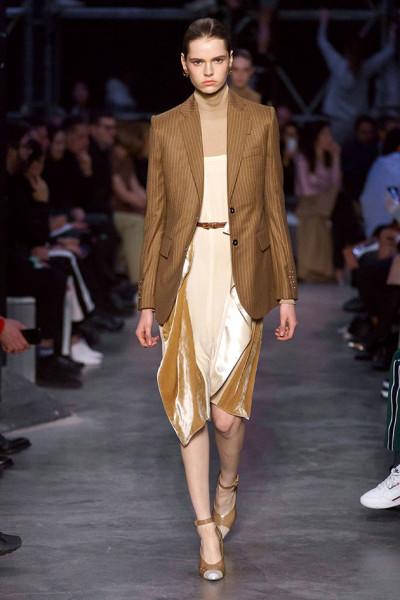 200219-desfile-burberry-82