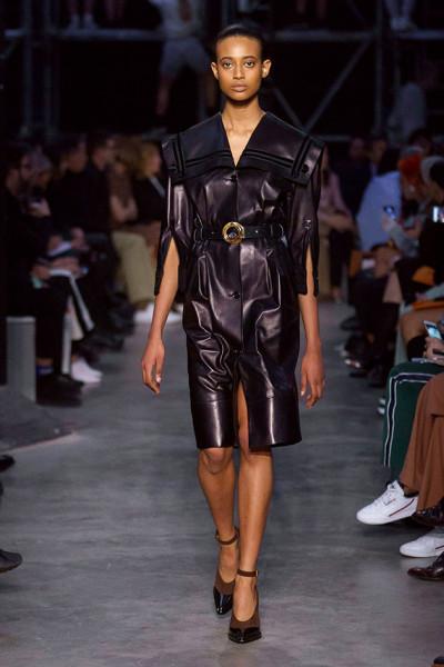200219-desfile-burberry-86
