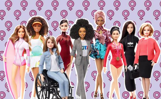 """A Mattel adicionou à sua linha de Barbies """"Shero"""" mais uma coletânea de 20 grandes mulheres reais da atualidade! Quer conhecê-las? Clica aqui!"""