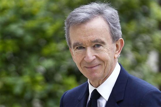 """Bernard Arnault, empresta uns euros? O CEO do grupo LVMH é o terceiro mais bilionário na lista dos ricos da """"Forbes"""""""