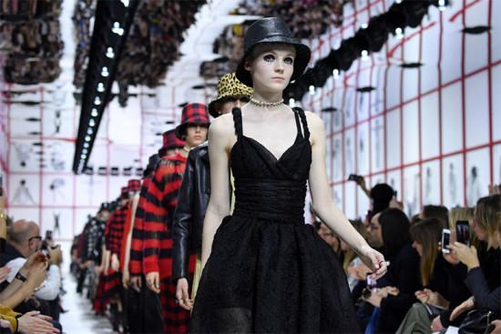 A Dior é a segunda em número de menções mas a primeira quando você converte as menções em valores!