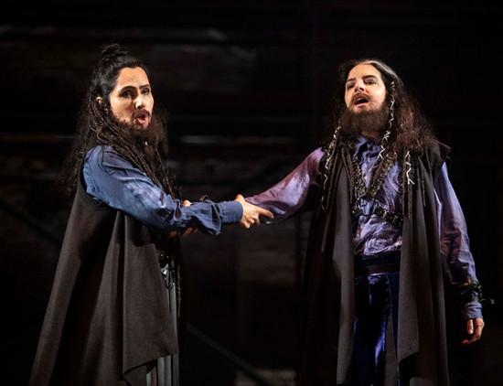 "A montagem da ópera ""La Clemenza di Tito"" de Mozart conta com figurinos de Fause Haten"