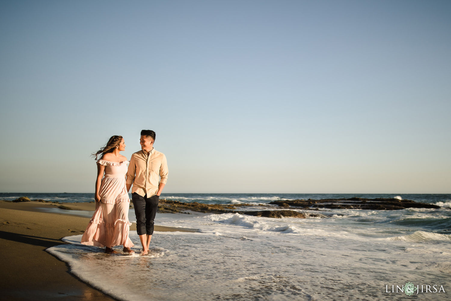 Victoria Beach Engagement Session 01