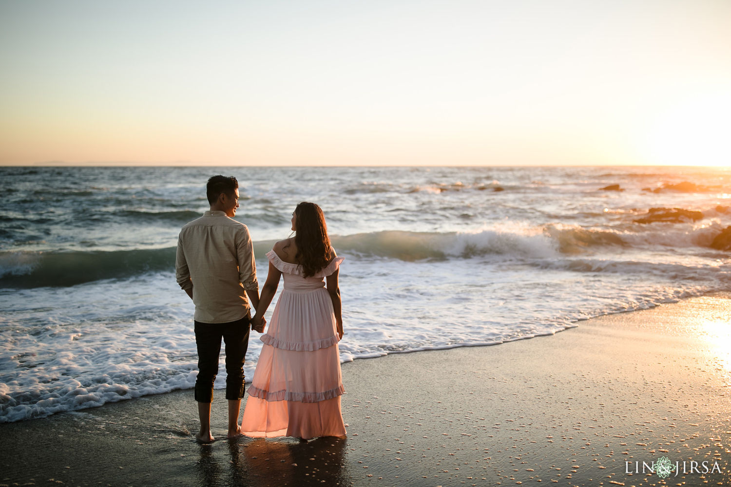 Victoria Beach Engagement Session 04
