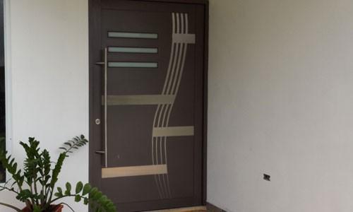Aluminio el material favorito para puertas de entrada - Puertas de aluminio para entrada principal ...