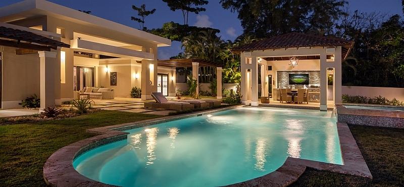 Salimos nuevas propuestas para piscinas y terrazas for Terrazas para piscinas elevadas