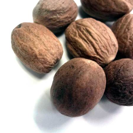 Nutmeg w 01