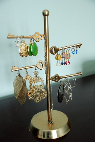 jewelry organization necklace stand earrings dangly stella dot