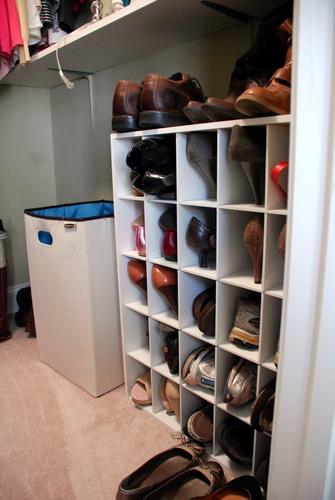diy custom closet shelving