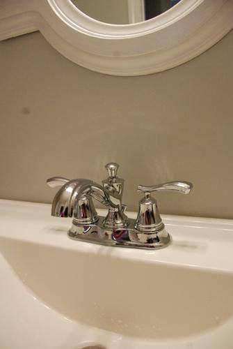 delta sentiment chrome faucet