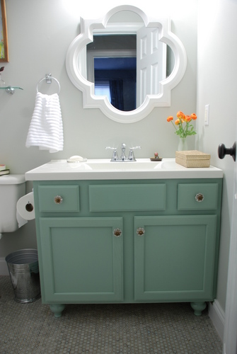small bathroom makeover reveal benjamin moore moonshine ranunculus olympic footpath quatrefoil mirror target threshold moen