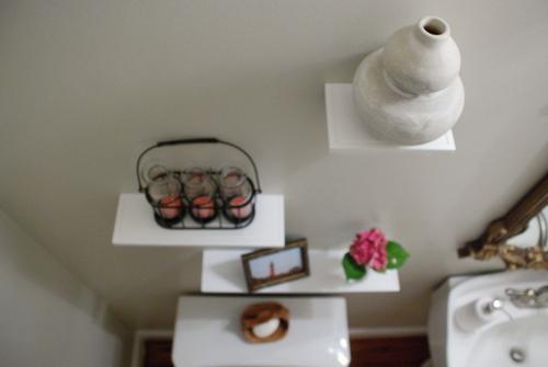 Bathroom shelving   www.livelygreendoor.com