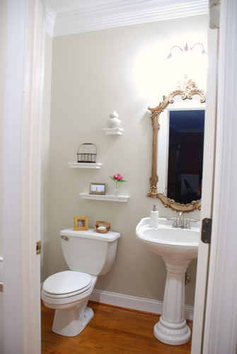 Powder Room Makeover - REVEAL post! | www.livelygreendoor.com