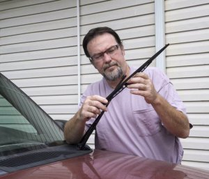 Changing wiper blades