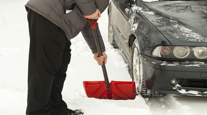 The Top 5 Winter Weather Roadside Emergency Essentials