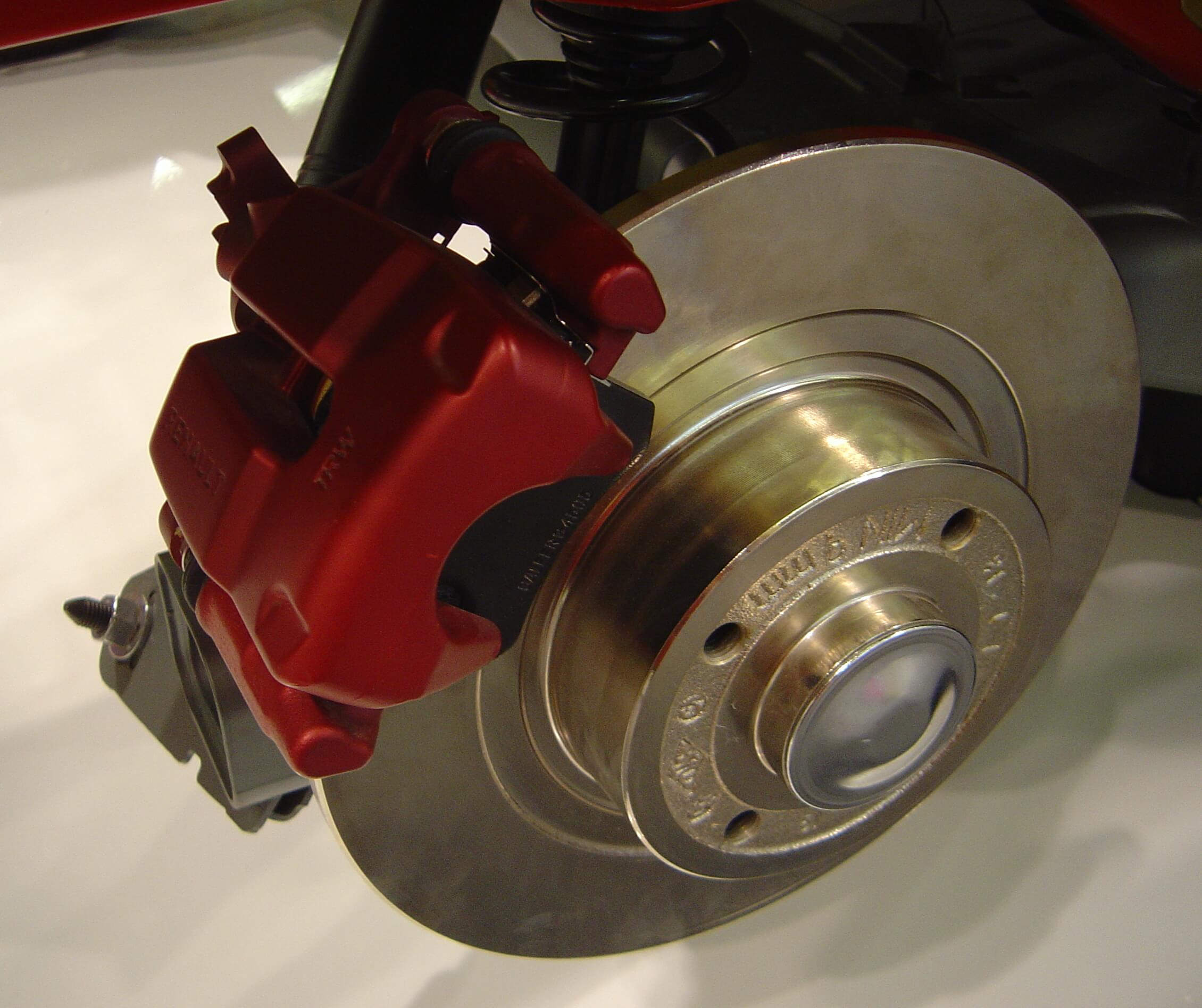 DIFFERENCE BETWEEN BRAKE PADS AND ROTORS