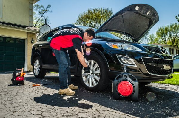 DIFFERENCE BETWEEN TRADITIONAL AUTO REPAIR AND MOBILE AUTO REPAIR