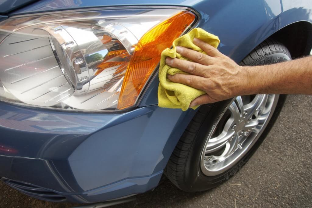HOW TO KEEP CAR HEADLIGHTS IN GOOD CONDITION