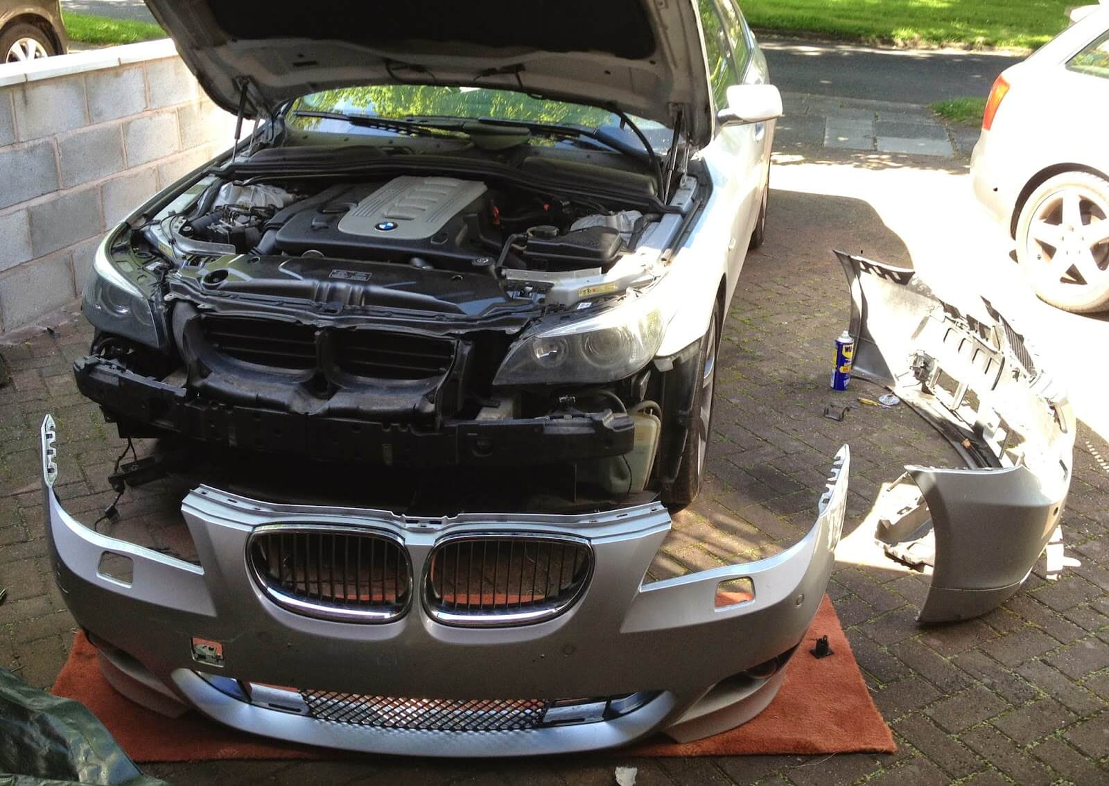 HOW TO GET CAR BUMPERS FIXED IN A COST EFFECTIVE MANNER