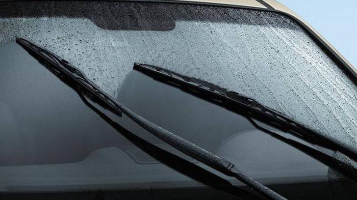 WHY WIPER BLADES ARE IMPORTANT AND WHAT KIND OF WIPER BLADES TO USE