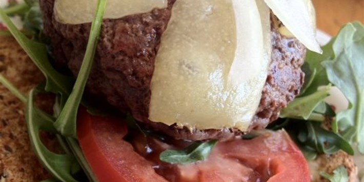 Buffalo Burger with Arugula and Manchego