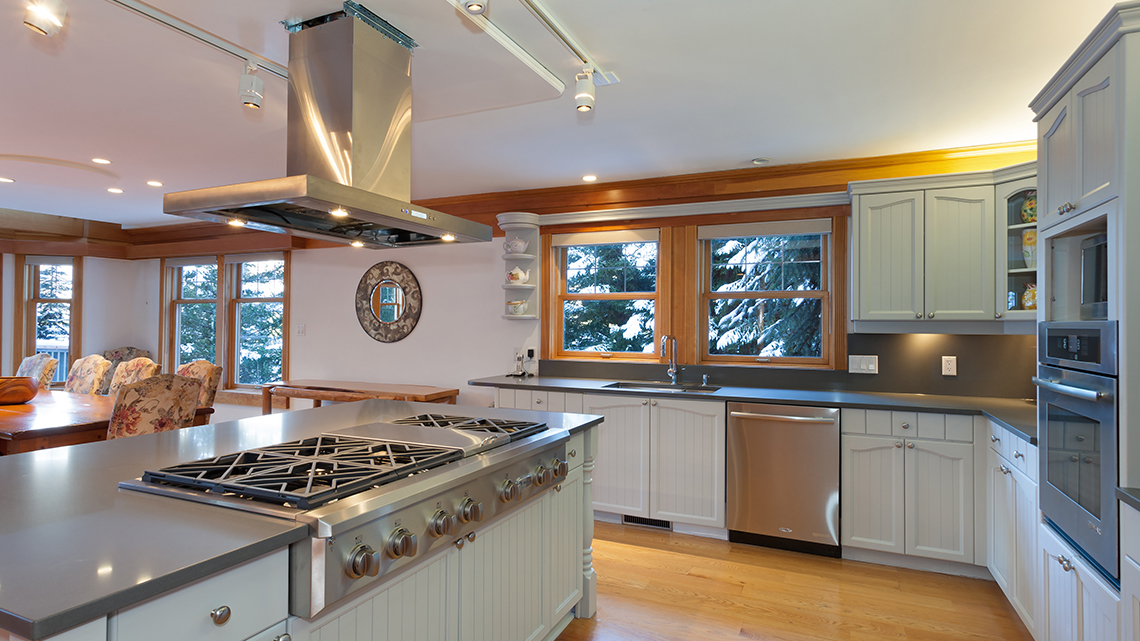 Five Bedroom Whistler Accommodation