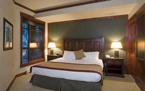 One Bed Suite - First Tracks Lodge