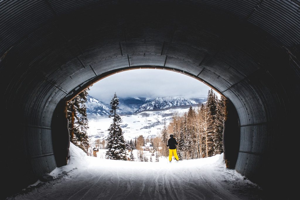 Blog - Stay in Luxury While You Ski: Utopian LVH Manages Homes Near 9 of the Best Ski Resorts in the Western United States
