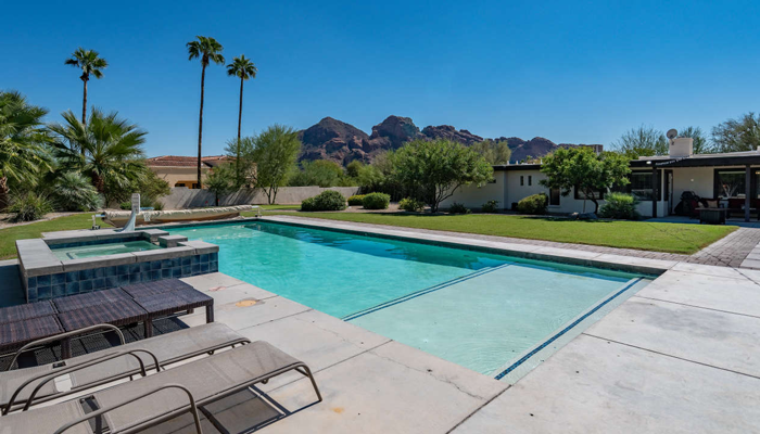 Complimentary Pool Heat at Camelback Vista in Scottsdale