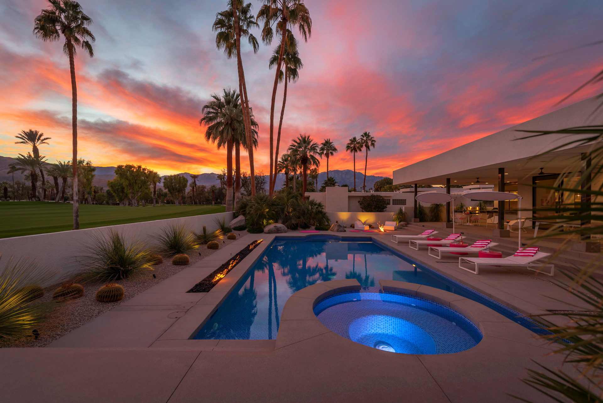 $200 Off a Night at</br>Artful Desert Paradise!