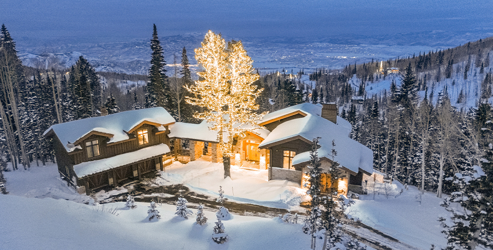 Blog-Full-Width-Image-960w--Winter-Way-at-the-Colony-Park-City-Christmas-snow-Opulent Vacations