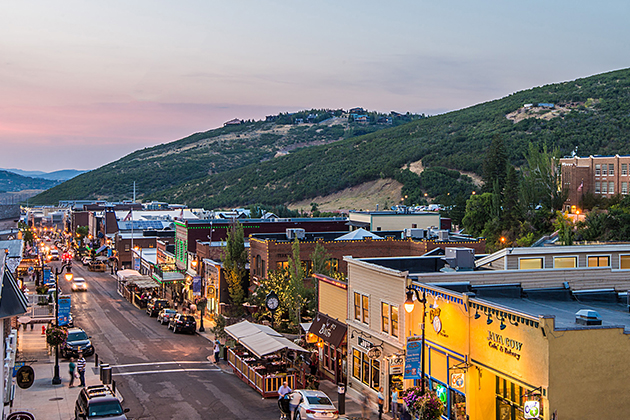 Summer Savings</br>in Park City </br>20% Off 4-6 Nights!