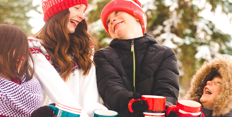 Blog-Full-Width-Image-960w-Holiday-Travel-Kids-Hot-Cocoa-Winter-Park-City-Opulent Vacations