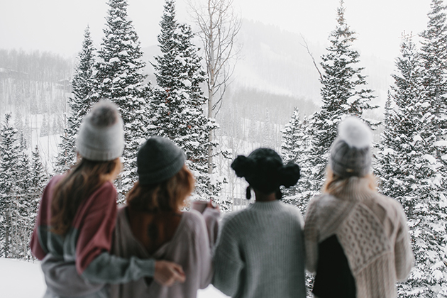 Blog-Featured-Image--630x420-Park-City-Winter-Snow-Trees-Girls-Friends